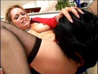 Horny older Kelly Leigh eating man meat