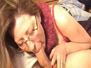 Mommy engulfing schlong for a bit of money