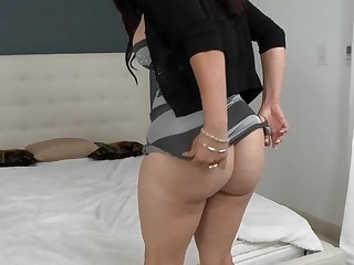 Horny mama I'd a charge out of prefer to fuck cannot stop cumming from ardent sex